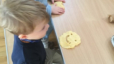Nursery children visit Starfish Class